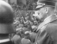 Adolf_Hitler_Grusst_Die_Wehrmacht
