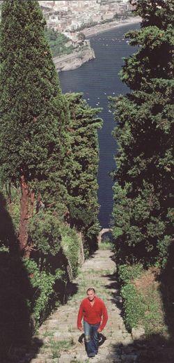 Gore-vidal-itex-trees-stairs-ravello-500pxl