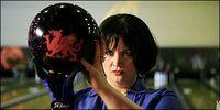 Nessa_bowling