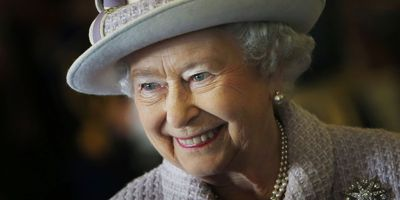 O-QUEEN-ELIZABETH-II-facebook