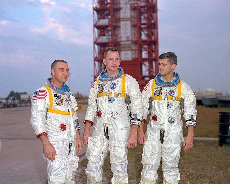 800px-Apollo1-Crew_01