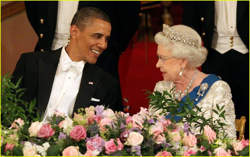 Barack-michelle-obama-queen-elizabeth-state-dinner-02