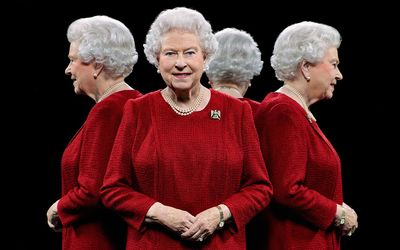 Queen-elizabeth-ii-four-way-ftr